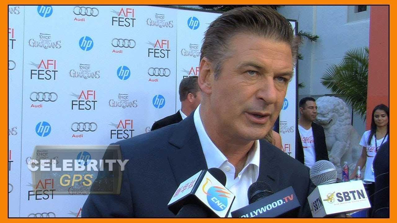 Alec Baldwin says he would win against Trump - Hollywood TV