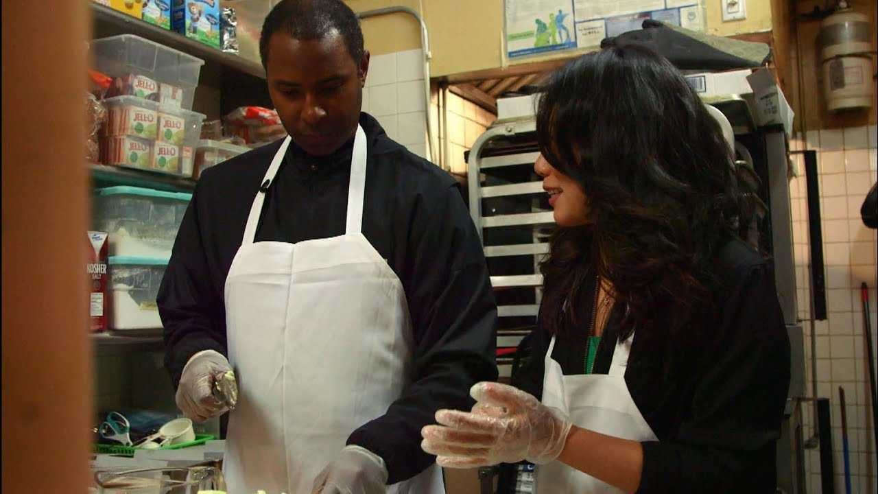 Athletic Appetites: Cooking with Charlie Ward