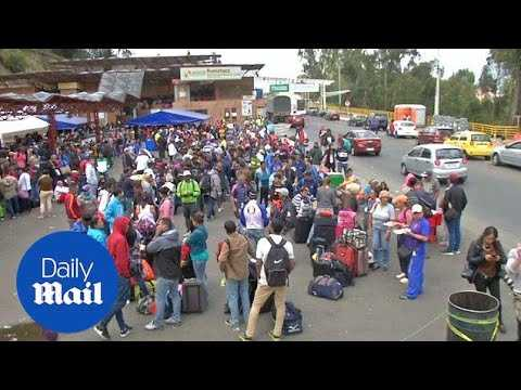 Chaos at the Colombian border as thousands of Venezuelans flee country - Daily Mail