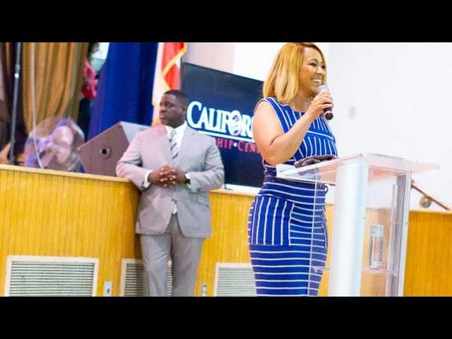 Mary Mary's singer Erica Campbell husband Warryn Campbell preaching