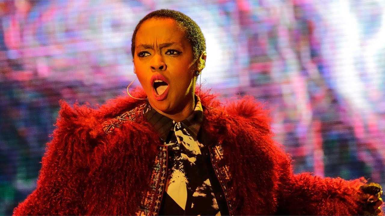 Lauryn Hill Gets Into HEATED Argument  With Fans For Showing Up LATE! | Throwback