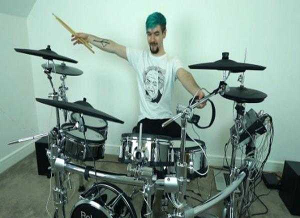 Try Out Different Effects And Sounds With An Electronic Drum Set