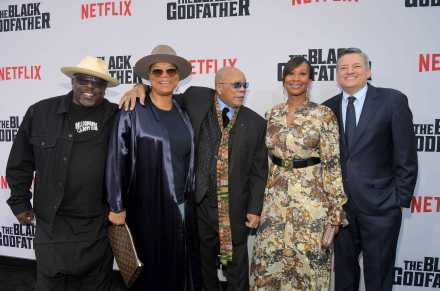 """LOS ANGELES, CALIFORNIA - JUNE 03: (L-R) Cedric the Entertainer, Queen Latifah, Quincy Jones, Nicole Avant and Netflix Chief Content Officer Ted Sarandos attend Netflix world premiere of """"THE BLACK GODFATHER at the Paramount Theater on June 03, 2019 in Los Angeles, California. (Photo by Charley Gallay/Getty Images for Netflix)"""