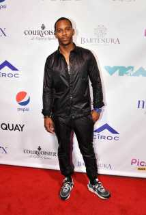 Victor Cruz on Red Carpet at Missy Elliott's MTV VMA After Party with Courvoisier-Optimized