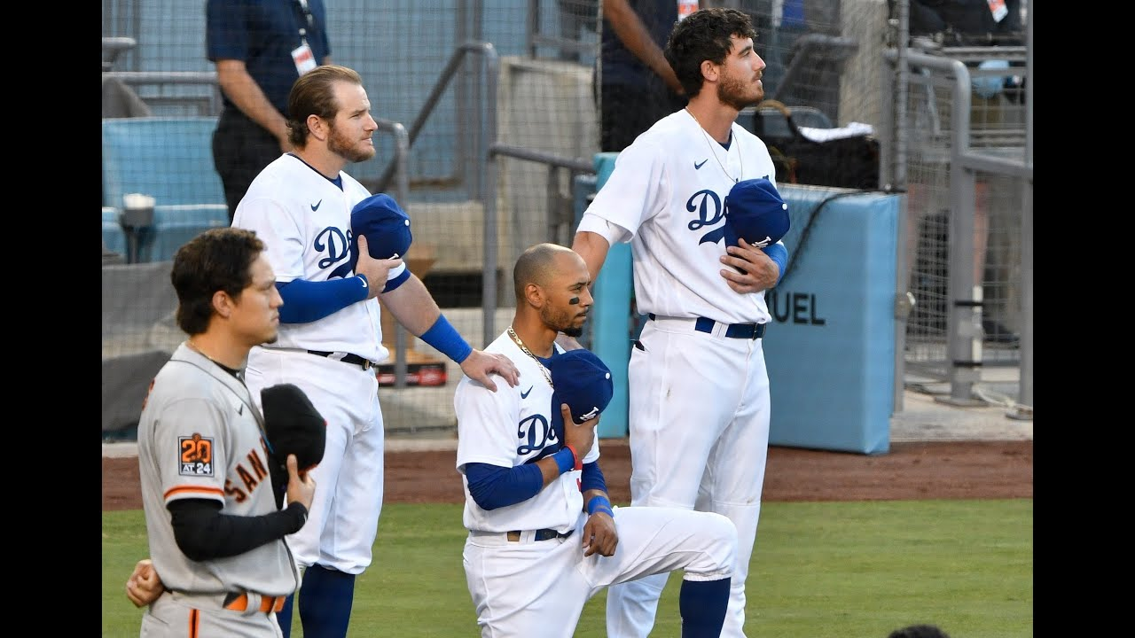 Dodgers postgame: Mookie Betts kneels during national anthem, thankful for Cody Bellinger, Max Muncy