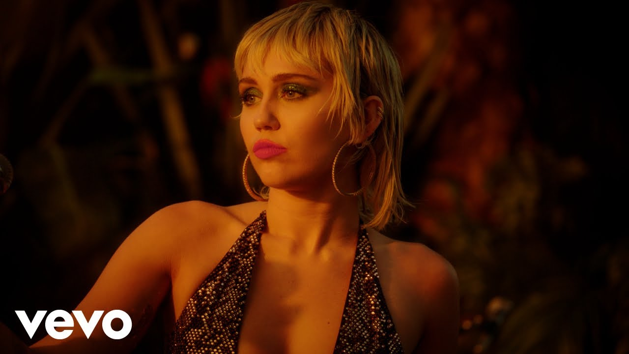 Miley Cyrus - Just Breathe (MTV Unplugged Presents Miley Cyrus Backyard Sessions)