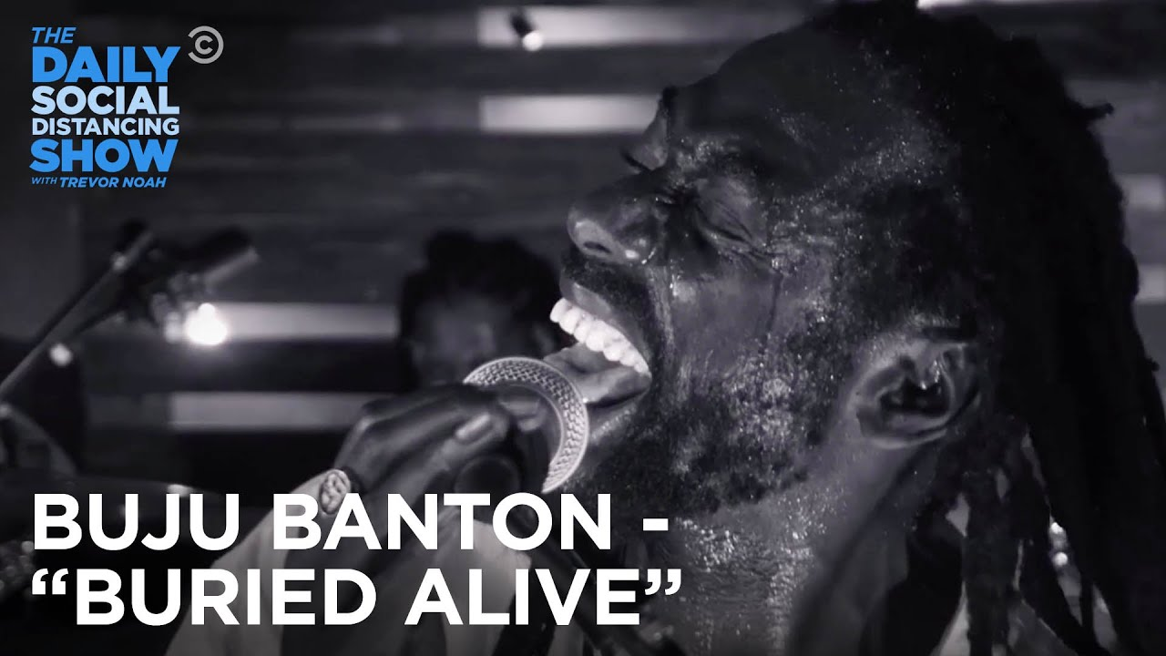 """Buju Banton Performs """"Buried Alive"""" 