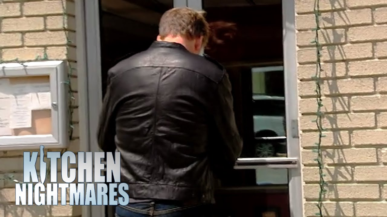 Gordon Ramsay Can't Get Into The Restaurant He's Supposed To Be Helping   Kitchen Nightmares