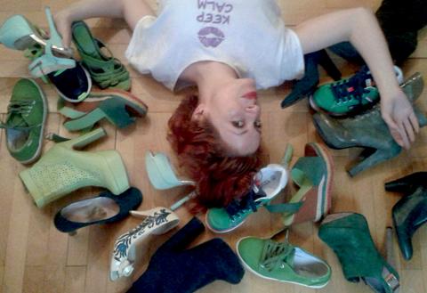 Test: cati pantofi verzi pot incapea in dressingul unei femei?