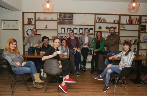 La Color One Coffee, la degustare de cafea si povesti cu Laura Antonov,  Bogdan Daraban, Marian Crăciun, Ileana Petrache,  Aleka Sarah Vlădăreanu, Mara Barză si Floriana Vlaicu