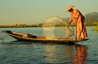 Pescar pe Lacul Inle