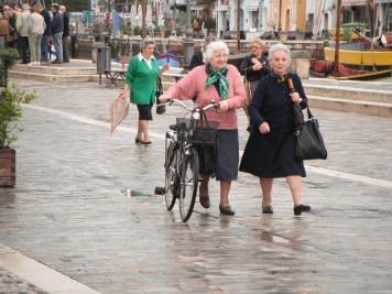 old-ladies-on-bikes