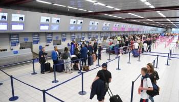 queue at airport
