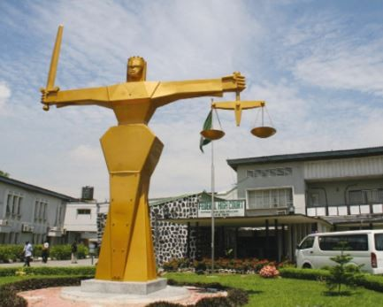 23-year oldComputer engineer remanded in prison for rapingwoman at gunpoint