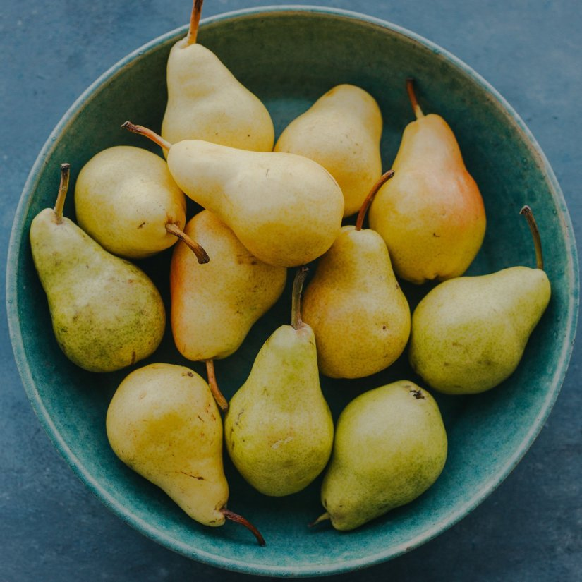 Anjou pear are juicy when ripe, and their subtle sweetness hints at a refreshing lemon-lime flavor.