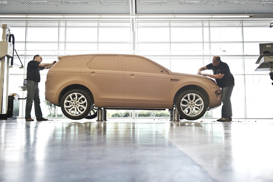 LR_Discovery_Sport_Clay_Model_011014_03
