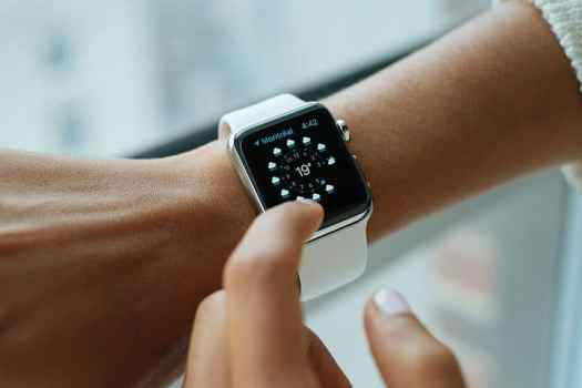 smart watch 821557  480 - 5 Remarkable Facts about the Future of Healthcare