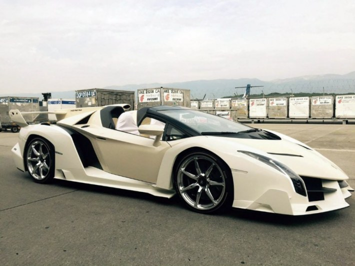 Lamborghini Veneno Roadster | 25 Expensive Cars