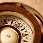 【2020年五星三心占い】銀の羅針盤座は不要なものを処分する「整理の年」