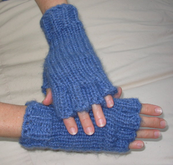 Half Finged Gloves by Marilyn