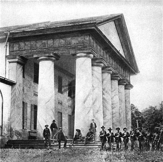 Arlington_House,_with_Union_Soldiers.jpg