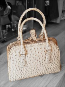 Cream moc croc handbag With removable shouder strap