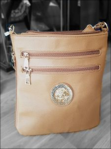 Cross body 2 Zip handbag zip pockets inclosure