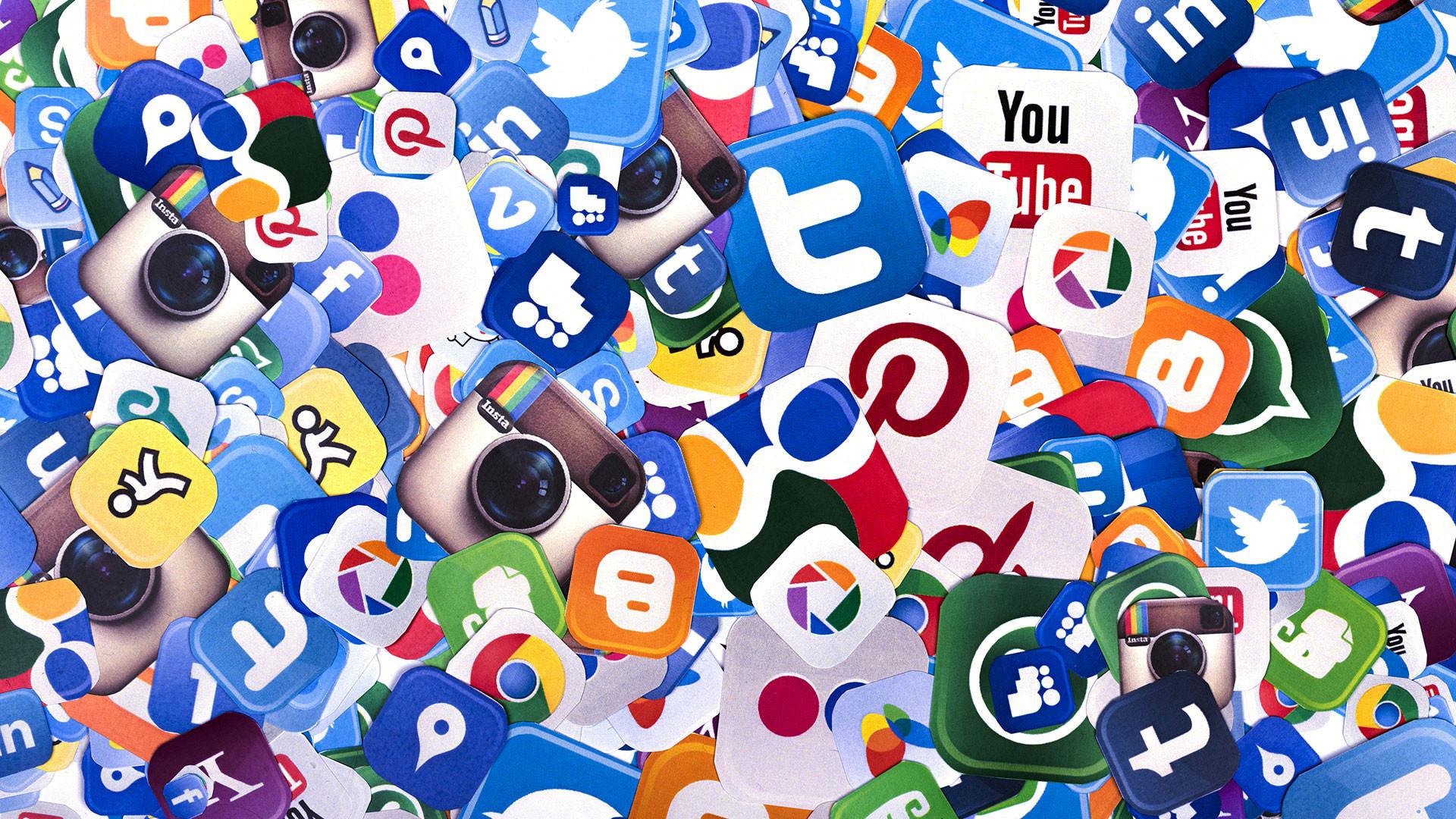 Afbeeldingsresultaat voor social media wallpaper hd