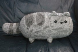 Tutorial: http://emmasanimalcreations.weebly.com/blog/pusheen-the-cat-a-free-crochet-pattern