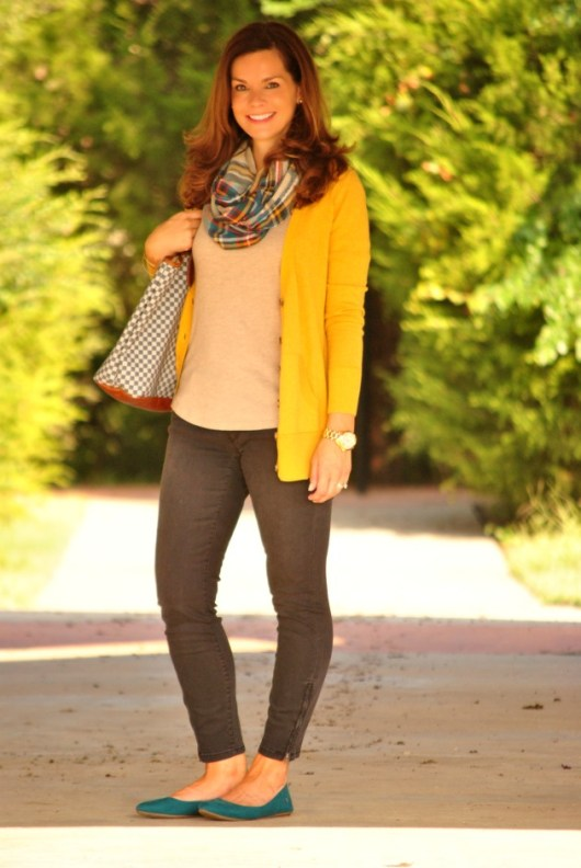 yellow-sweater-plaid-scarf-jeans