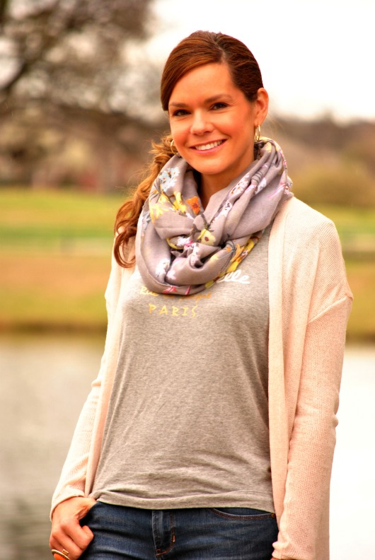 gray-pink-scarf-outfiit