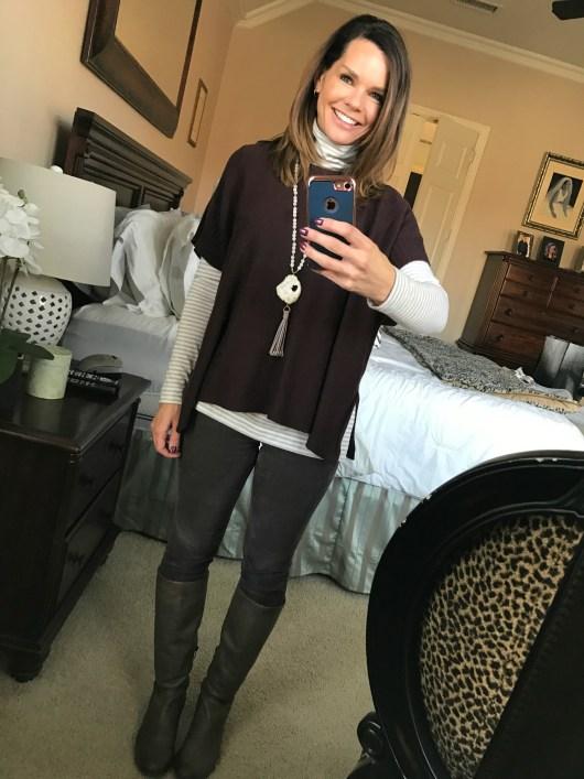 poncho-turtleneck-gray-jeans