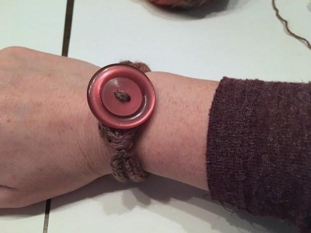 een armbandje punniken (8)