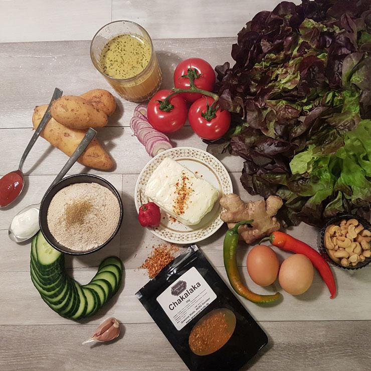 Salat und Gemüse mit Chakalaka