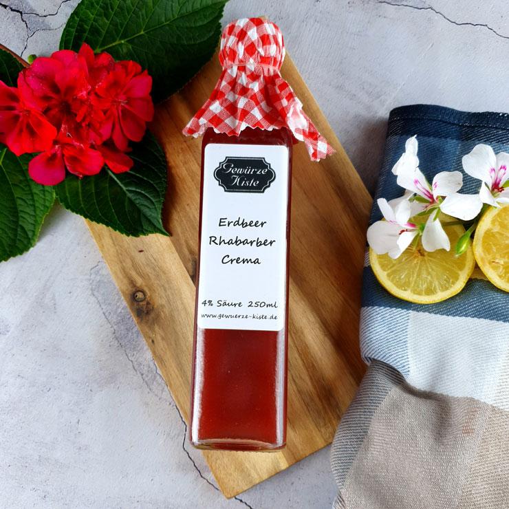 Erdbeer Rhabarber Crema