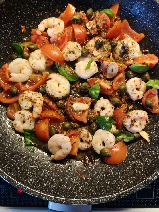 Garnelen und Tomaten