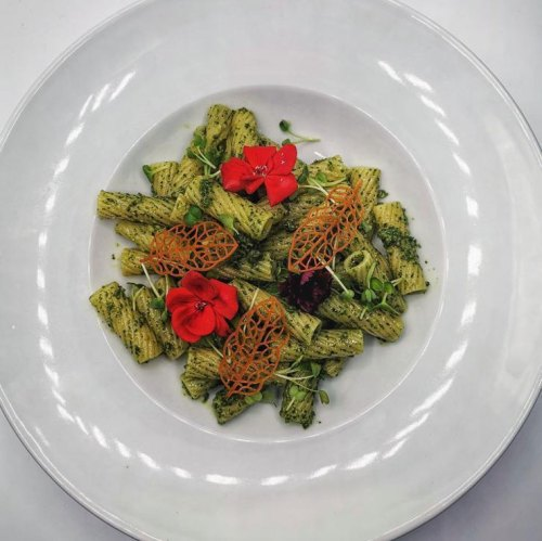 Pasta-mit-Petersilienpesto-und-Parmesan