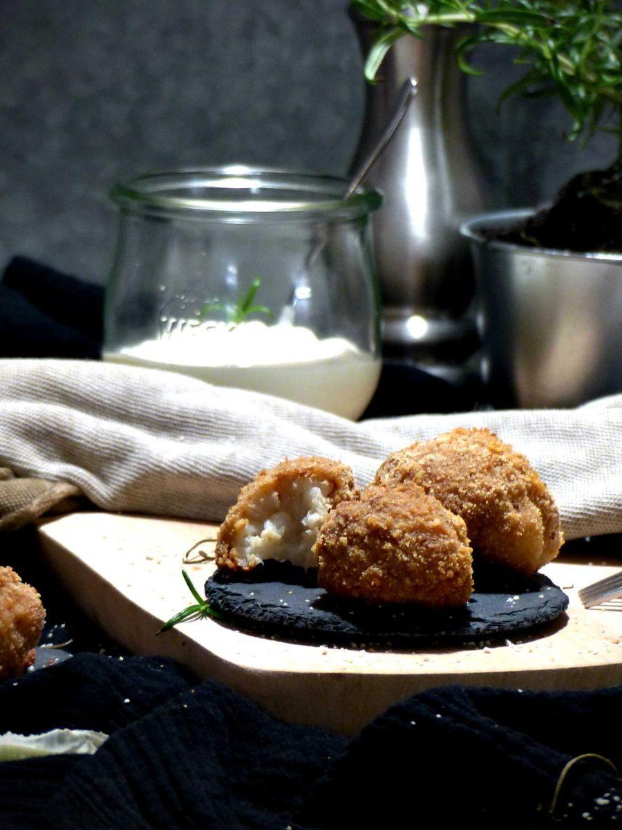 Knusprig gebackener Blumenkohl vegan Rezept Nuggets Wings Gewusstvegan
