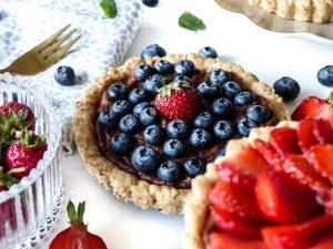 Beerentartelettes Rezept Tartelettes Schoko vegan Erdbeeren