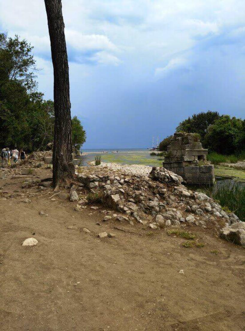 Olimpos Plajına giden Yol