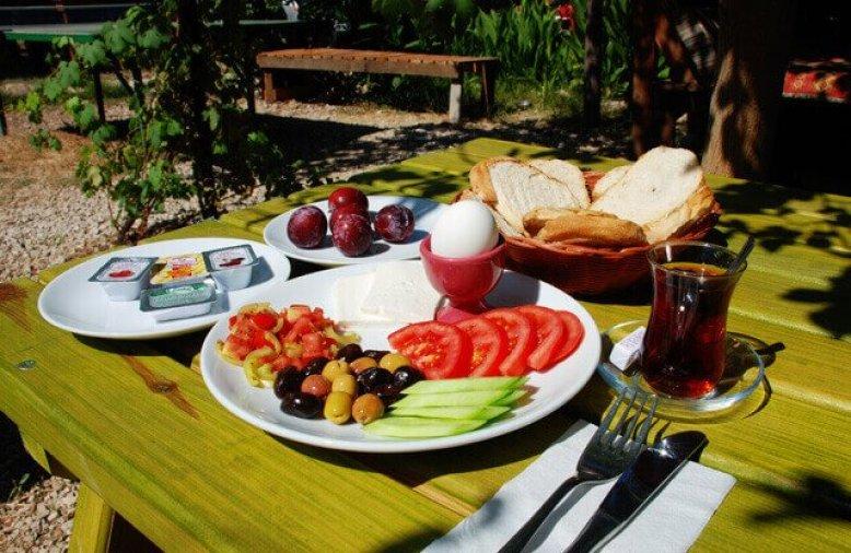 Olimpos Deep Green Kahvaltısından bir fotoğraf