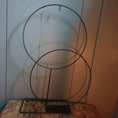 Metalen ring op standaard 30cm