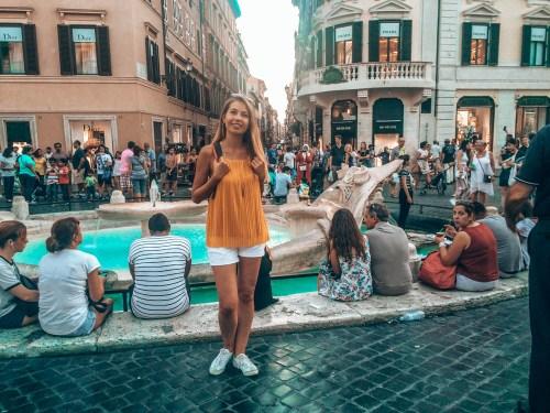 Roma Gezilecek Yerler - Fontana della Barcaccia