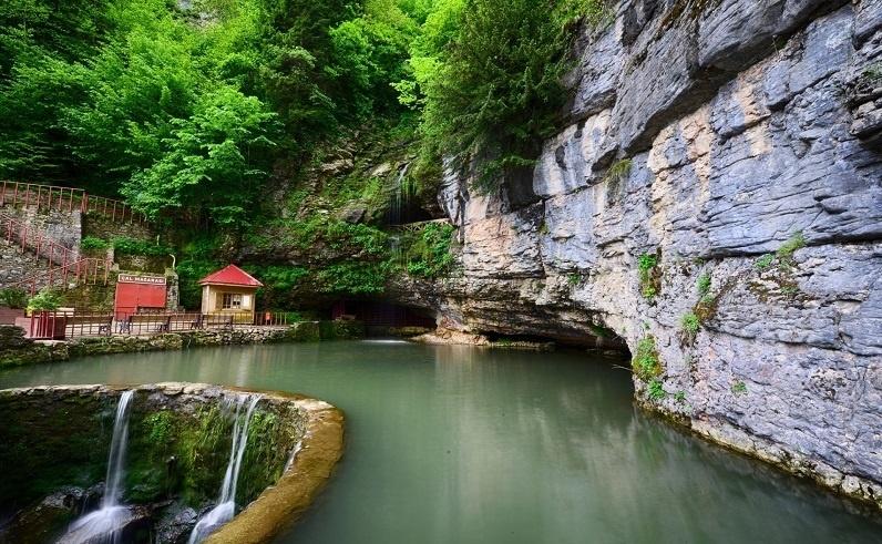 Trabzon-gezilecek-yerler-Çal-Mağarası