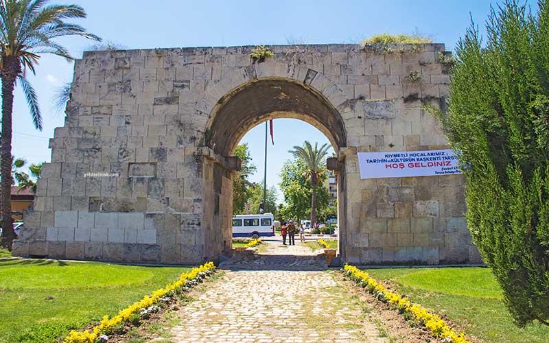 Mersin-Gezilecek-Yerler-Kleopatra-Kapısı