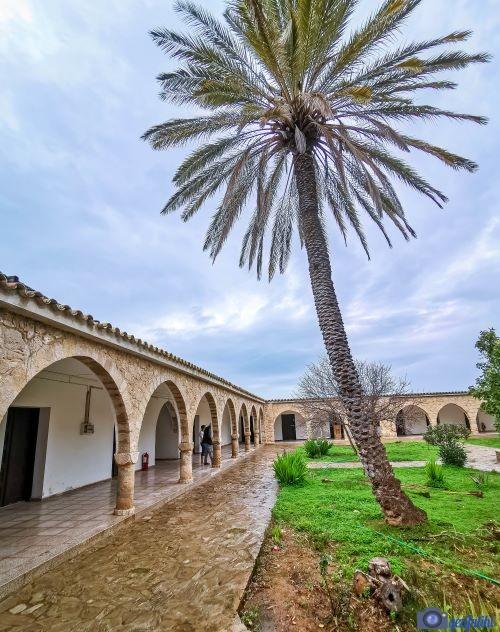 Aziz barnabas manastırı ve ikon müzesi