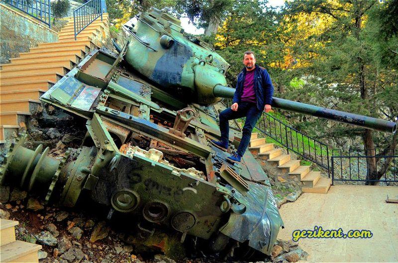 Kıbrıs'ın Beşparmak Dağları'ndaki Efsane Tankı