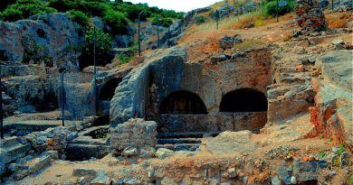 Yedi Uyuyanlar Mağarası ve Hikayesi