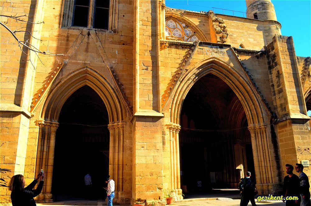 Kıbrıs Tarihi Yerleri- Kıbrıs Selimiye Camii