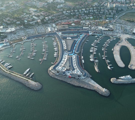 Viaport Marina ve Korsan Adası Tema Parkı